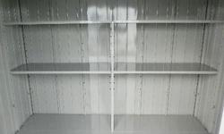 便利な棚板標準装備